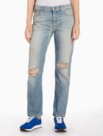 CALVIN KLEIN CKJ 061 WOMEN MID RISE DISTRESSED BOY JEANS