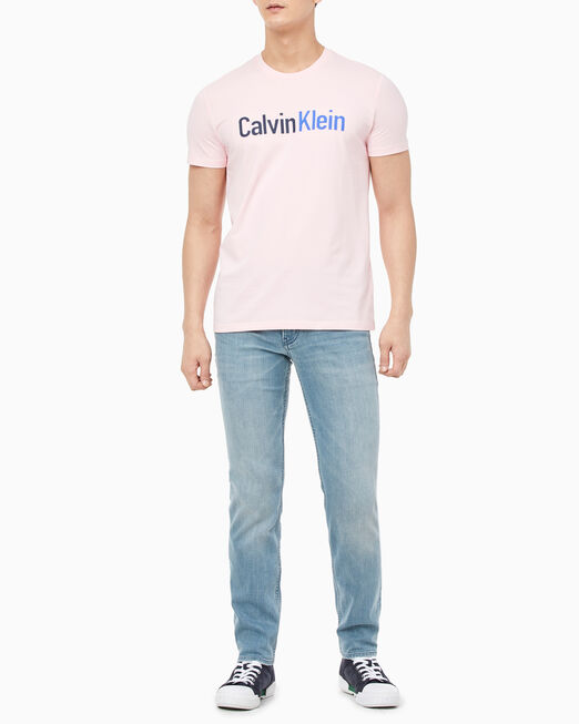 CALVIN KLEIN 남성 슬림핏 인스티튜셔널 로고 베이스볼 스티치 반팔 티셔츠