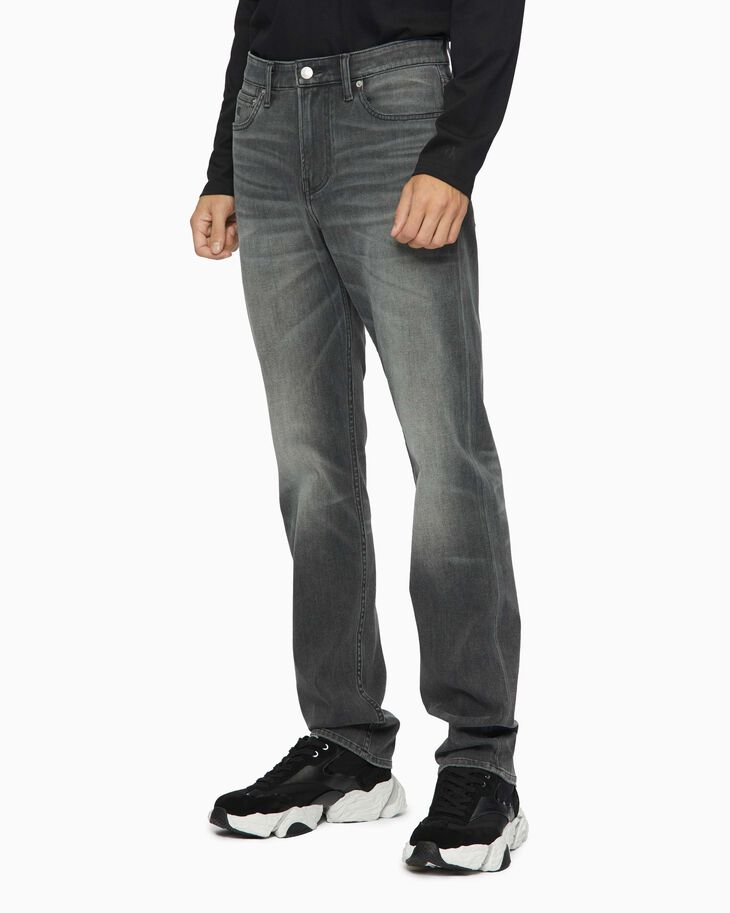 CALVIN KLEIN CKJ 026 ULTIMATE STRETCH SLIM JEANS