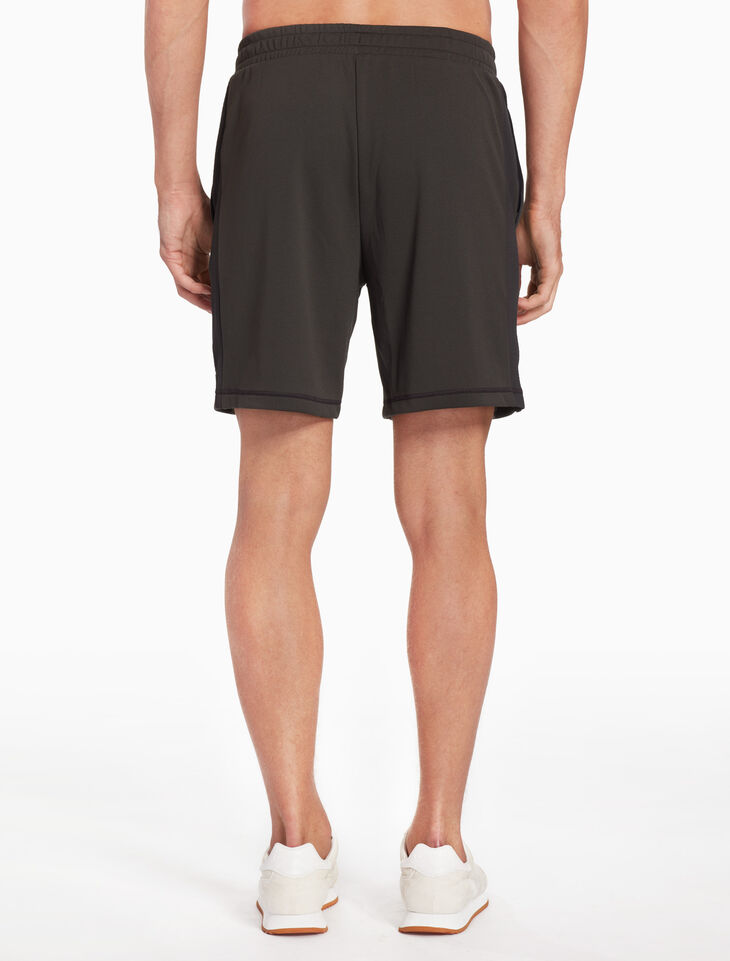 CALVIN KLEIN KNIT TRAINING SHORTS
