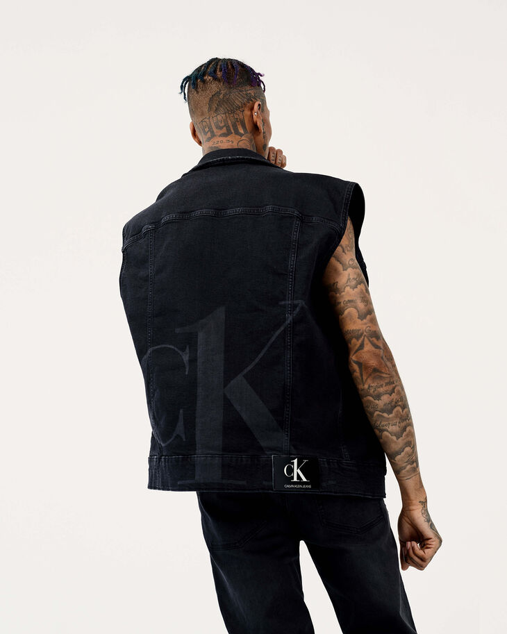 CALVIN KLEIN CK ONE OVERSIZED DENIM VEST