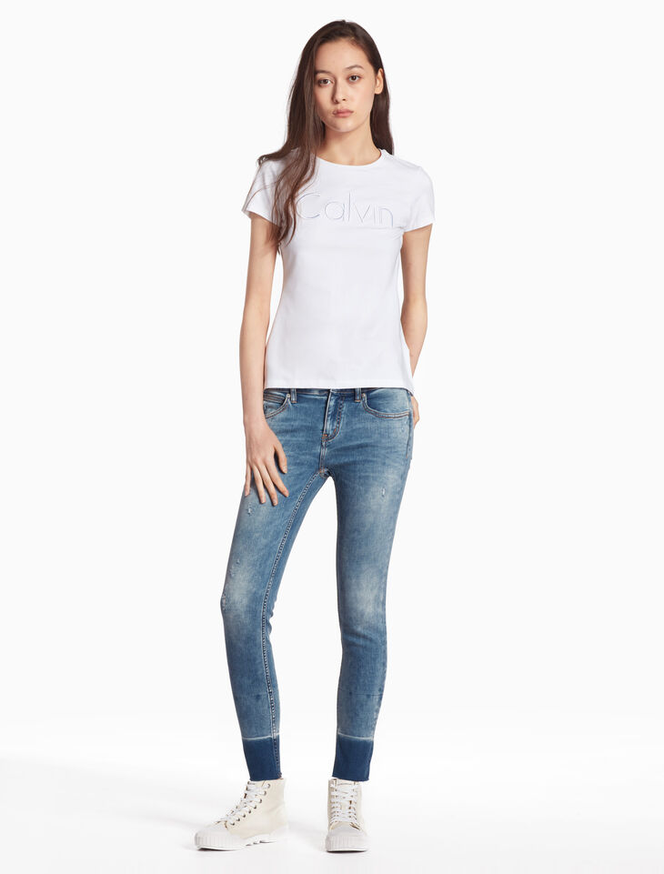 CALVIN KLEIN CKJ 022 WOMEN BODY DISTRESSED JEANS