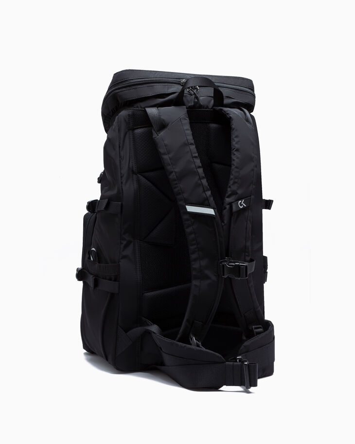CALVIN KLEIN ELEVATION FLAP BACKPACK 48CM