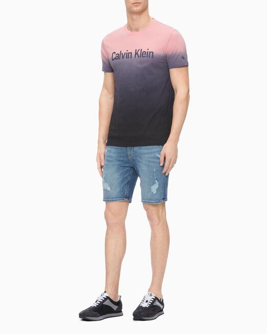 CALVIN KLEIN 남성 슬림핏 그라데이션 로고 반팔 티셔츠