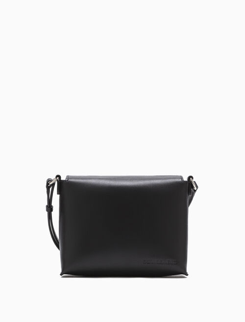 CALVIN KLEIN MAGNETIC BOX CROSSBODY BAG