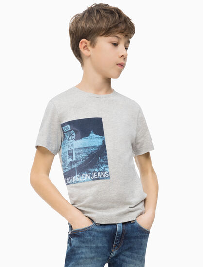CALVIN KLEIN BOYS PHOTO PRINT CREW TEE