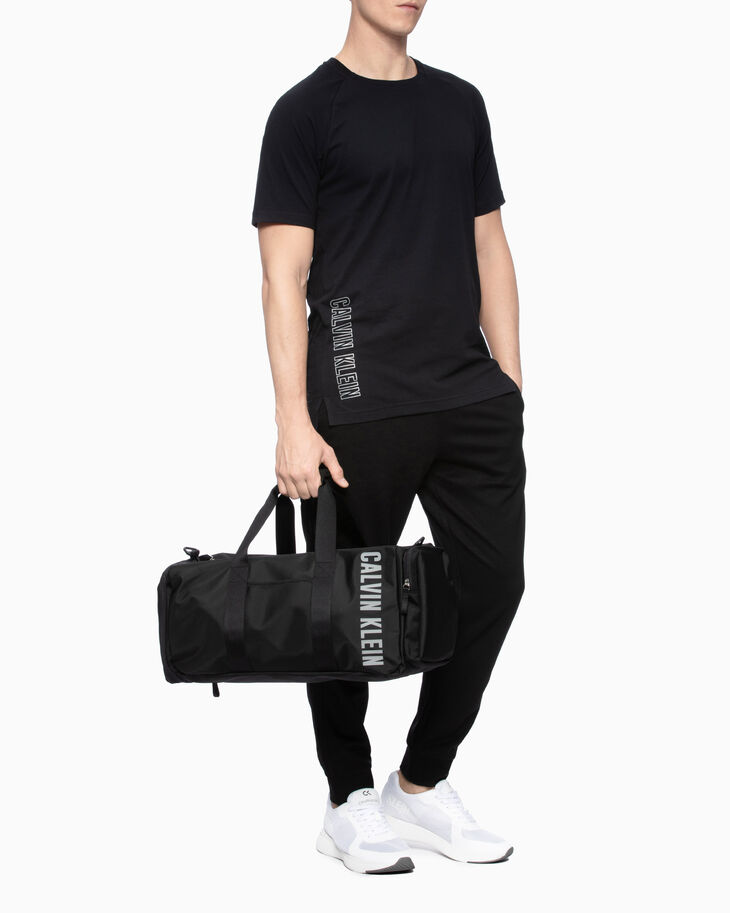 CALVIN KLEIN CK ESSENTIALS DUFFLE BAG