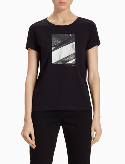 CALVIN KLEIN SMALL GRAPHIC PRINT TEE WITH SHORT SLEEVES