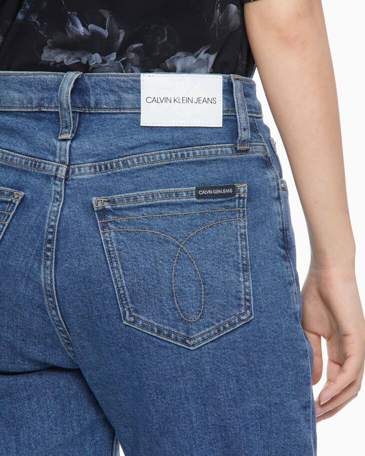 CALVIN KLEIN SUSTAINABLE ICONS MOM JEANS