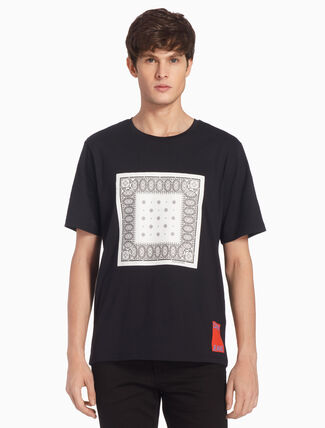 CALVIN KLEIN BANADA GRAPHIC REGULAR TEE
