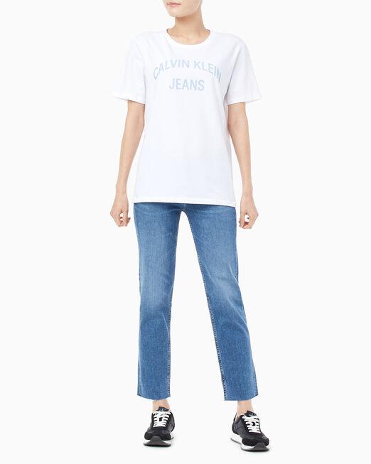 CALVIN KLEIN 여성 커브드 로고 반팔 티셔츠