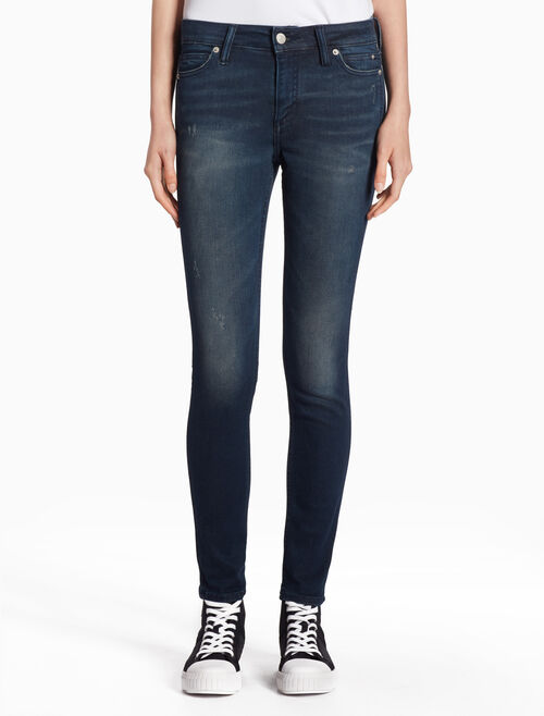 CALVIN KLEIN CKJ 002 塑型緊身牛仔褲