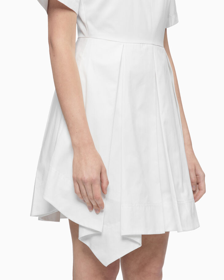 CALVIN KLEIN BOX PLEAT DRESS WITH BROOCH