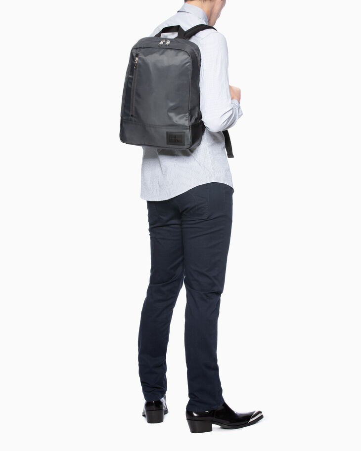 CALVIN KLEIN SLEEK NYLON PILOT BACKPACK 40
