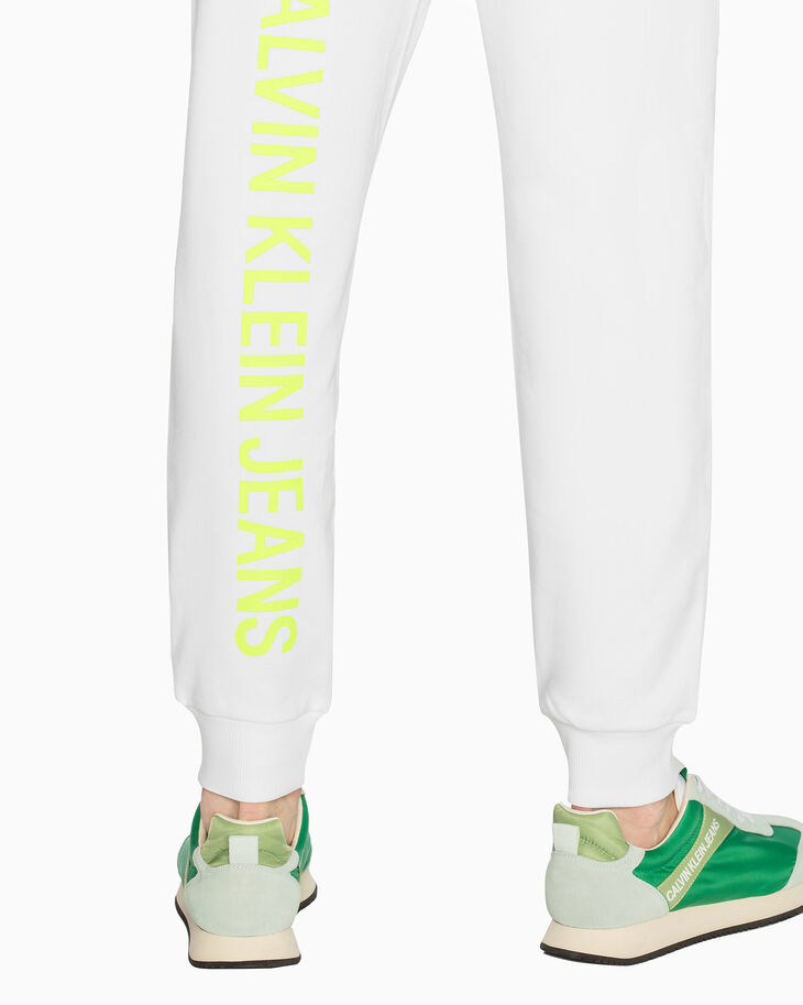 CALVIN KLEIN INSTITUTIONAL NEON LOGO 조깅 팬츠