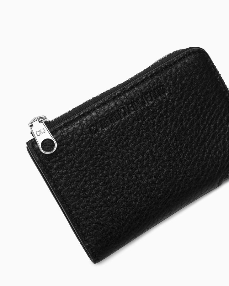CALVIN KLEIN UTILITY LEATHER ZIP AROUND WALLET