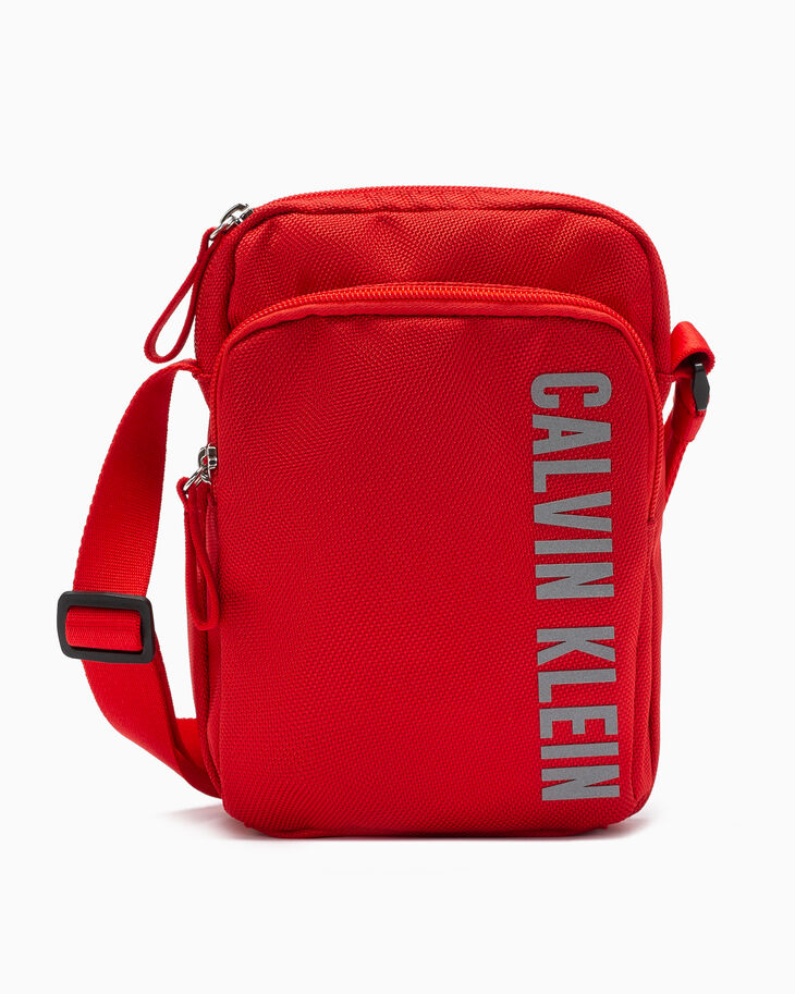 CALVIN KLEIN CK ESSENTIALS CROSSBODY BAG
