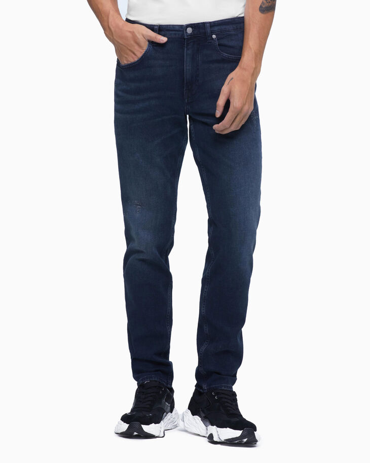 CALVIN KLEIN CKJ 059 DISTRESSED BODY TAPER JEANS