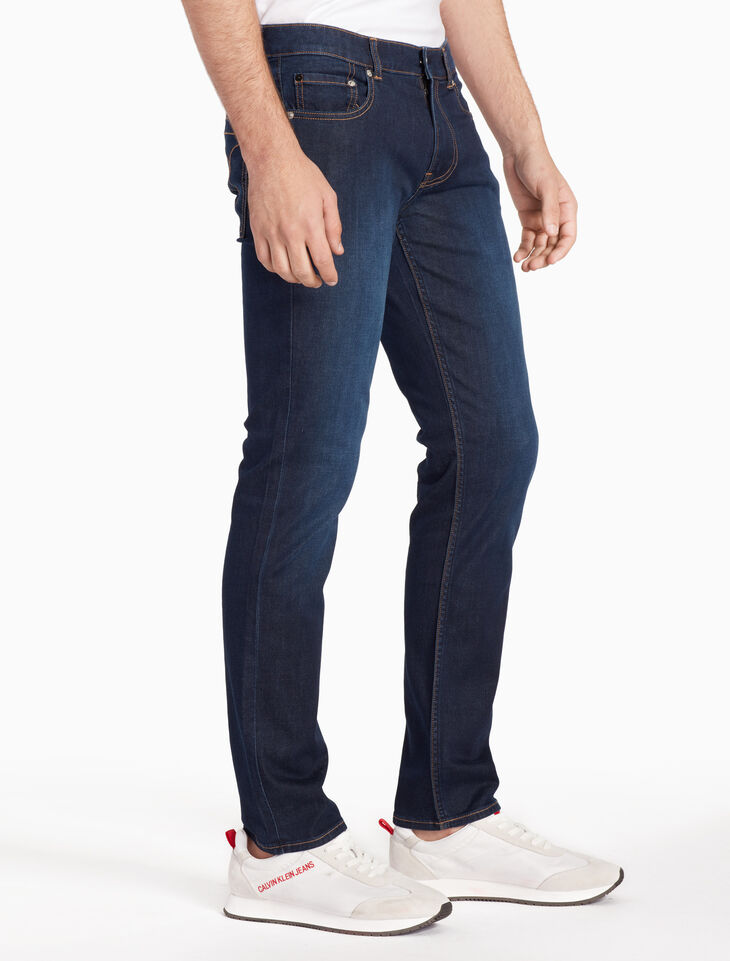 CALVIN KLEIN 37 5 MEN WASHD BODY JEANS