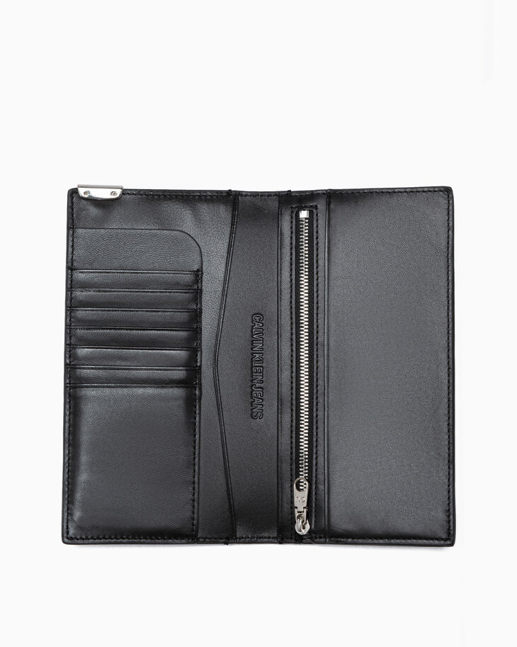 CALVIN KLEIN MICRO PEBBLE TRAVEL WALLET