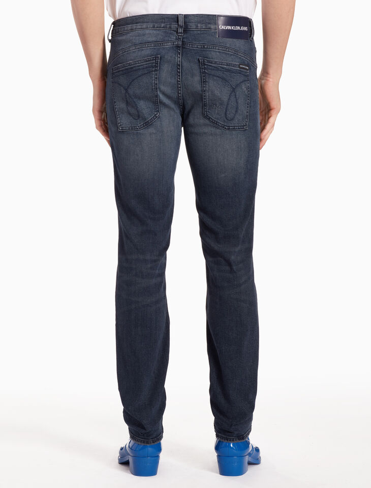 CALVIN KLEIN CKJ 027 MEN DISTRESSED BODY JEANS