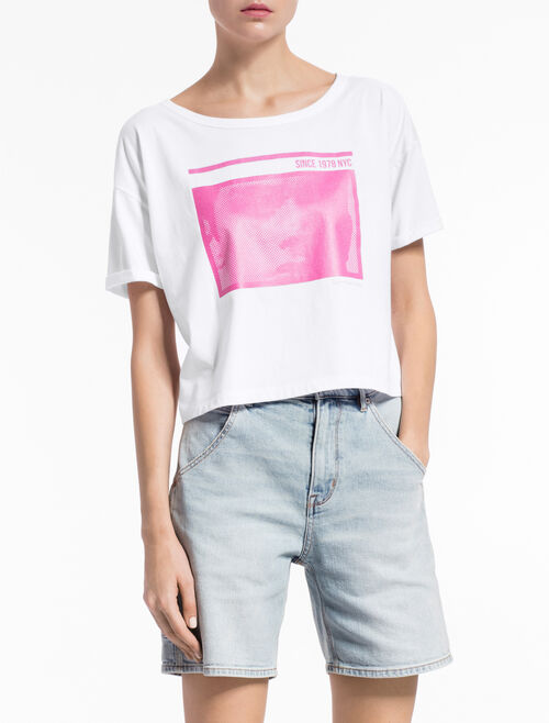 CALVIN KLEIN TECO CROPPED TEE IN RELAXED FIT