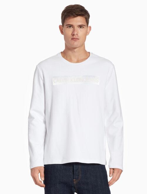 CALVIN KLEIN 리버스 새틴 로고 티셔츠