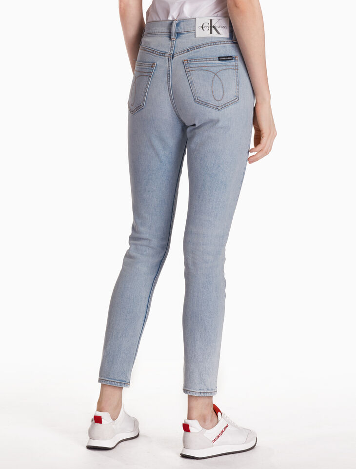 CALVIN KLEIN CKJ 020 WOMEN ARCHIVE ICON SLIM JEANS