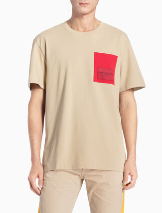 CALVIN KLEIN LOGO POCKET TEE IN RELAXED FIT