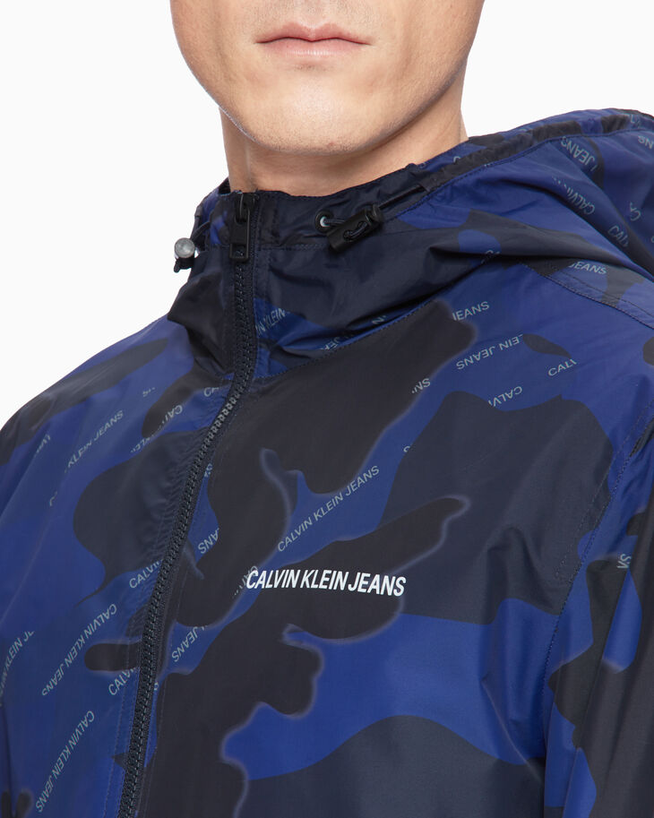 CALVIN KLEIN CAMO HOODED WINDBREAKER