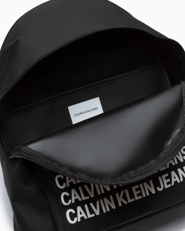 CALVIN KLEIN SPORT ESSENTIALS CAMPUS BACKPACK FOR BOYS