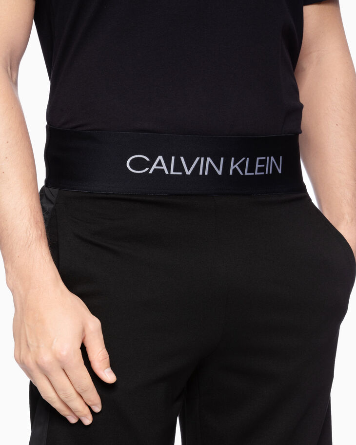 CALVIN KLEIN ACTIVE ICON SHORTS