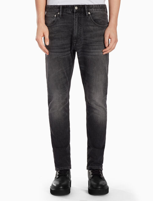 CALVIN KLEIN CKJ 056 MEN ATHLETIC TAPER COLLERSON BLACK JEANS