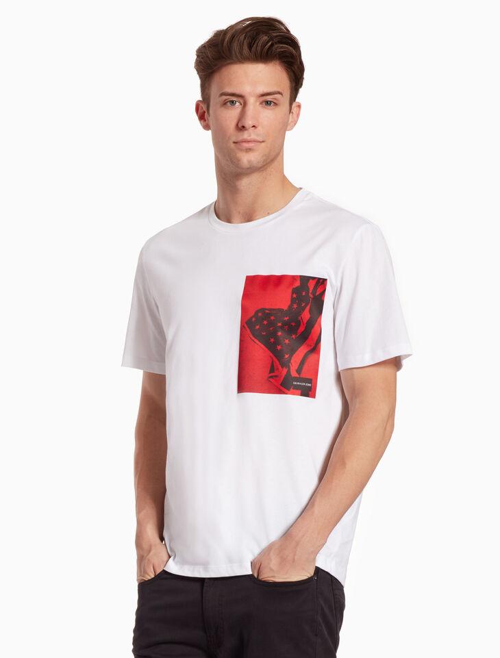 CALVIN KLEIN FLAG PRINT 티셔츠