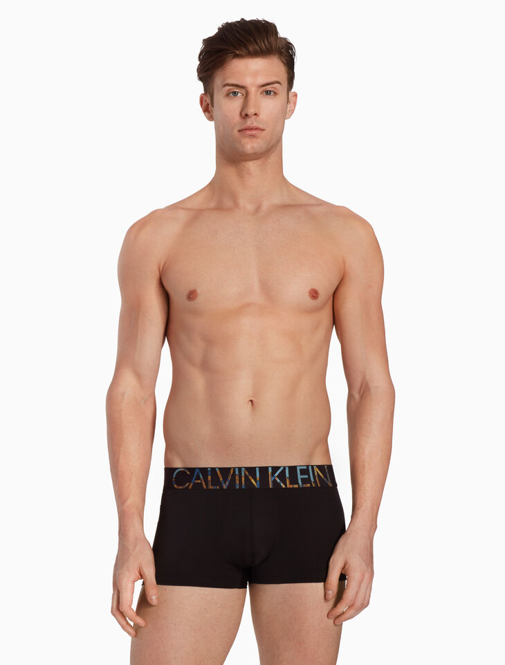 CALVIN KLEIN STATEMENT MICRO CITYLINE TRUNKS