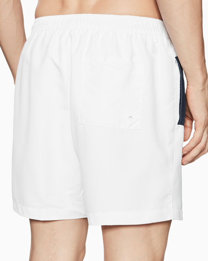 CALVIN KLEIN CORE PLACE LOGO MEDIUM SHORTS