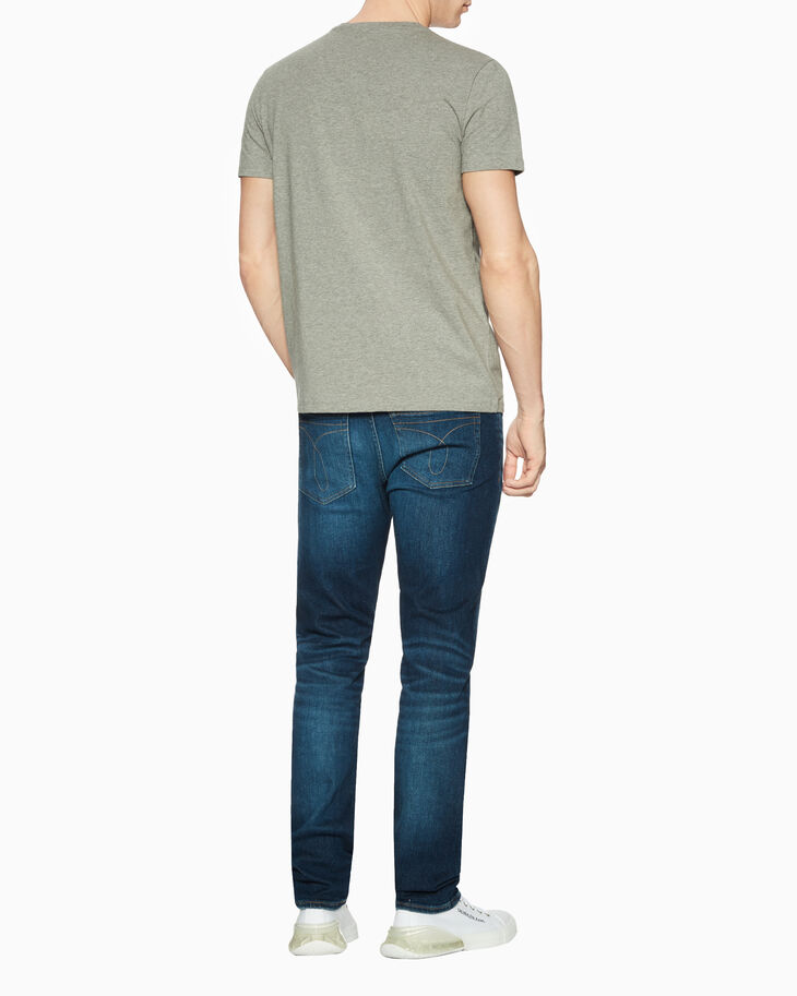 CALVIN KLEIN CKJ 026 INFINITE SOFT DISTRESSED SLIM JEANS