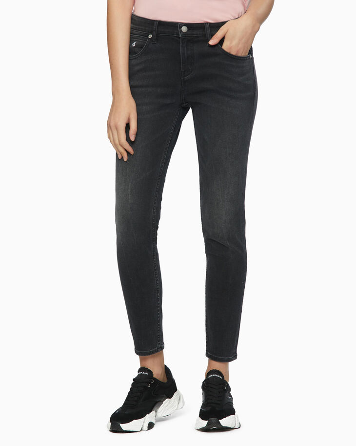 CALVIN KLEIN CKJ 022 INFINITE SOFT BODY JEANS