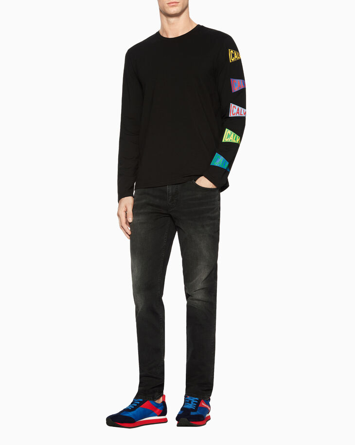 CALVIN KLEIN FLAG LOGO LONG SLEEVE TEE