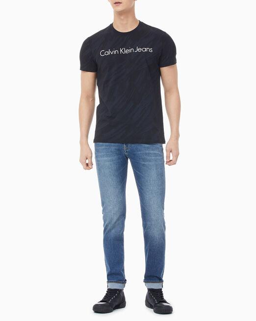 CALVIN KLEIN 남성 슬림핏 올오버프린트 로고 반팔 티셔츠