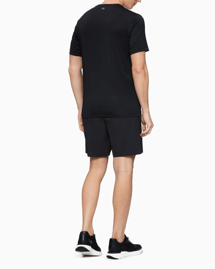 CALVIN KLEIN UTILITY STRONG TECH TRAINING SHORTS