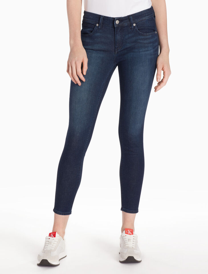 CALVIN KLEIN CKJ 022 WOMEN SLIM BODY JEANS