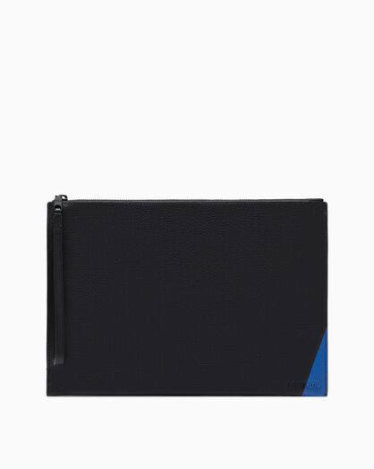 CALVIN KLEIN AIDEN TEXTURE MEDIUM TRAVEL POUCH