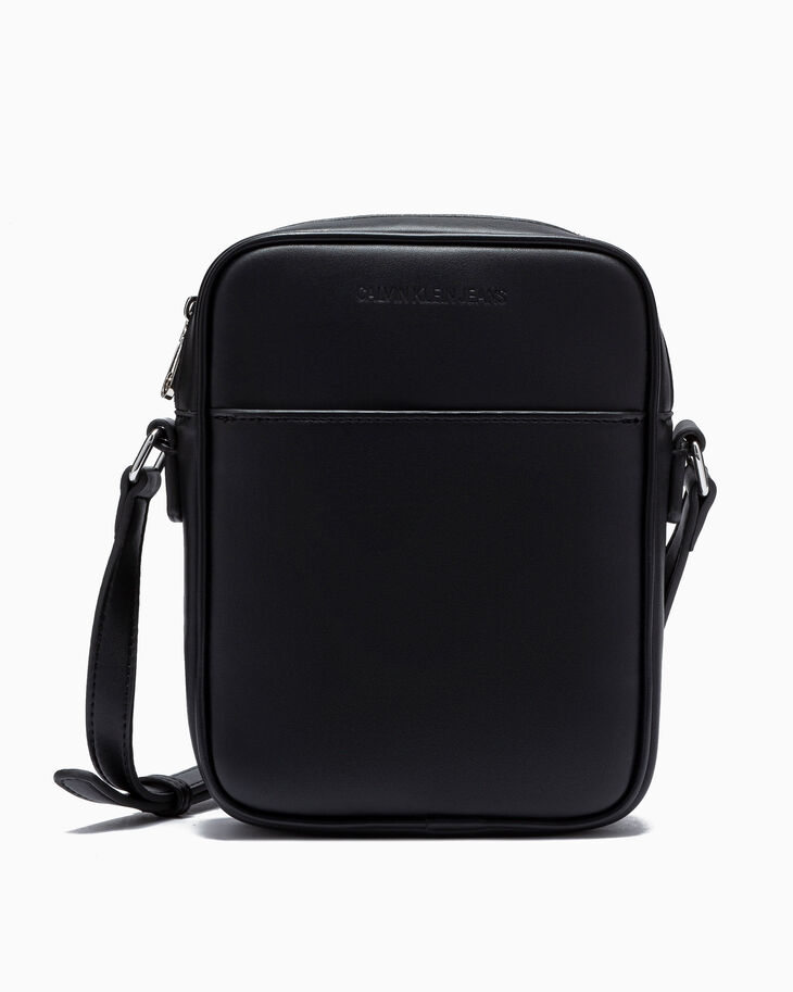 CALVIN KLEIN SCULPTED WESTERN CROSSBODY BAG