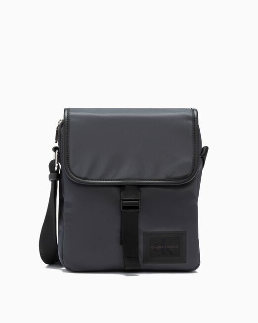 CALVIN KLEIN SLEEK NYLON 크로스바디 백