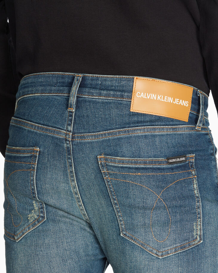CALVIN KLEIN CKJ 016 INFINITE STRETCH 緊身牛仔褲
