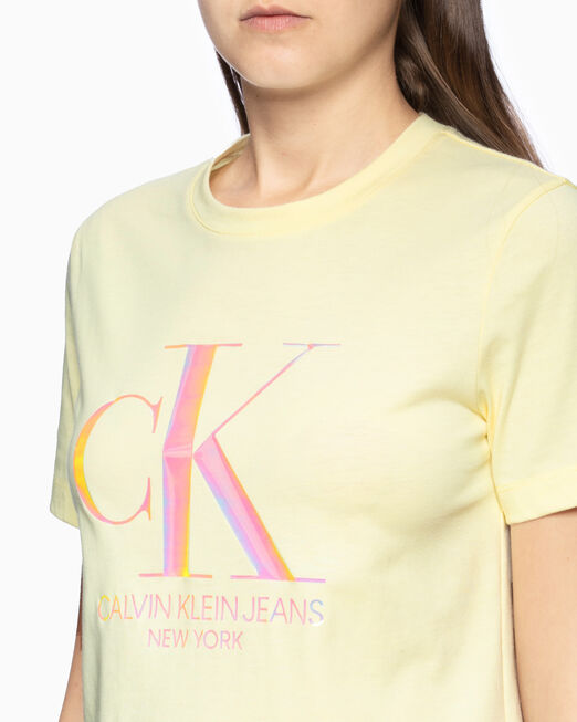 CALVIN KLEIN 여성 이리데슨트 CK 스트레이트 핏 티셔츠