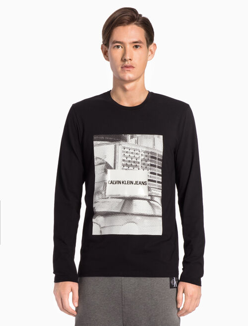 CALVIN KLEIN PIXELATED GRAPHIC SLIM TEE